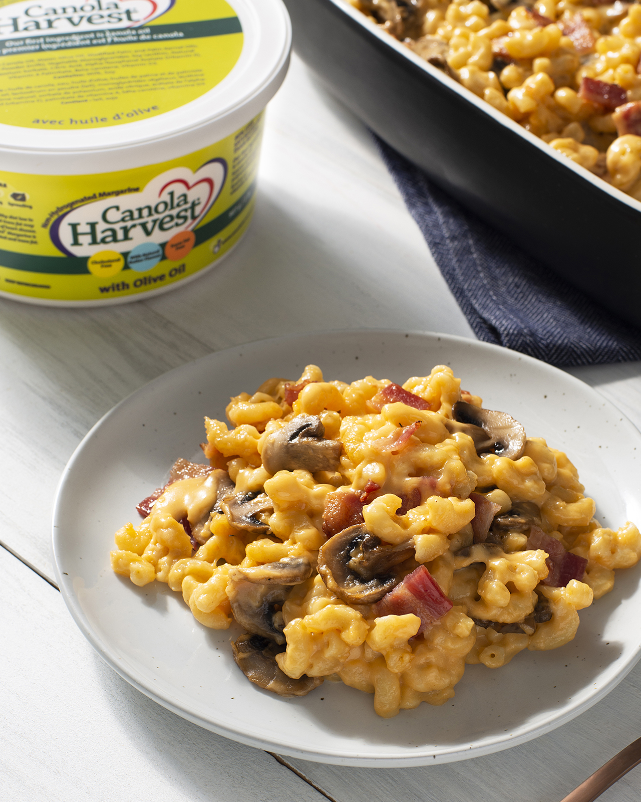 Picture of bacon and mushroom macaroni and cheese